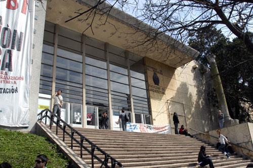 Tercerizaciones de ltimo momento affur for Decano dela facultad de arquitectura